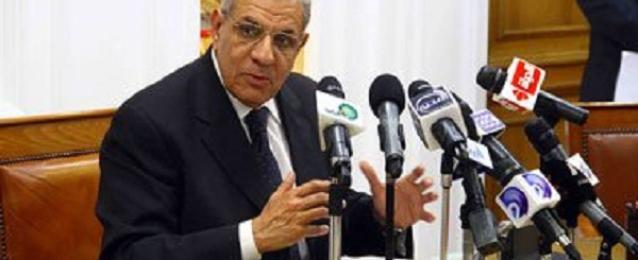 محلب يقدم استقالة حكومته إلي الرئيس عبد الفتاح السيسي