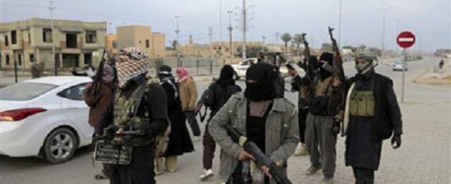 """""""نيويورك تايمز"""":""""داعش"""" تتقدم باتجاه سد حديثة على نهر الفرات"""