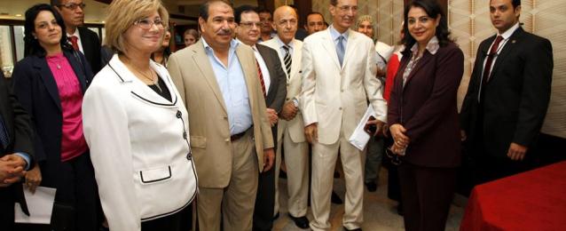 وزيرة الإعلام تلتقي أعضاء لجنة الرصد الإعلامي عقب انتهاء أعمالها وتثني على حيادية اللجنة