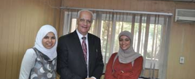 بالصور..وزير الاثار السابق يستقبل نظيره الجديد اسوة بالسيسى ومنصور