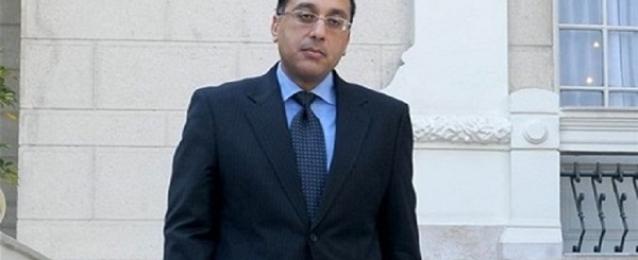 وزير الإسكان يشدد على ضرورة غلق المصانع المخالفة بالعاشر من رمضان