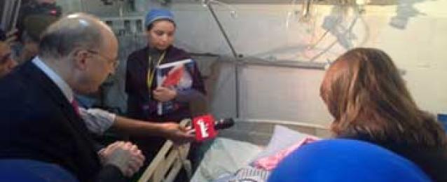 """وزيرا الصحة والتضامن يزوران ضحية """"التحرش"""" بمستشفى الحلمية العسكرى"""