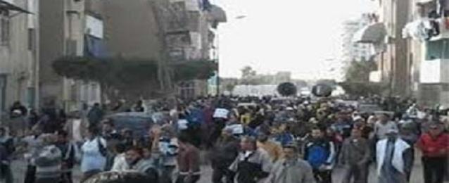 إصابة ضابطين ومجندين شرطة خلال فض مسيرة للاخوان بالخانكة
