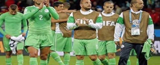 استقبال رسمي وشعبي كبير لمنتخب الجزائر
