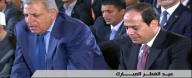 الرئيس السيسي يؤدي صلاة عيد الفطر بمسجد القوات الجوية