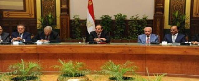 السيسي لرجال الاعمال: سيكون لمصر تجربتها الاقتصادية الخاصة بسواعد أبنائها