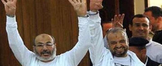 تأجيل محاكمة البلتاجي وحجازي بتعذيب ضابط رابعة لـ12 يوليو