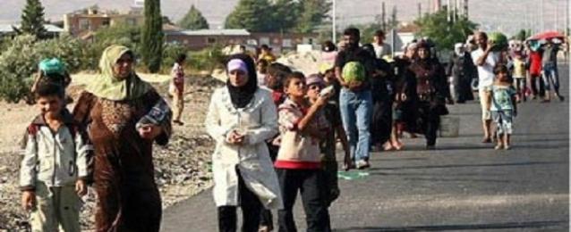 """تنظيم """"الدولة الاسلامية"""" يرغم الاف السكان على مغادرة بلداتهم شرق سوريا"""