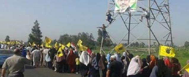 ثلاث مسيرات لانصار المعزول بكفرالشيخ تندد برفع اسعار الوقود