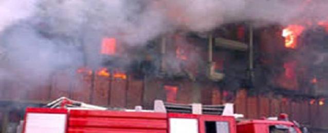 حريق بمصنع لاطارات السيارات بالبحيرة ومحاولات للسيطرة عليه