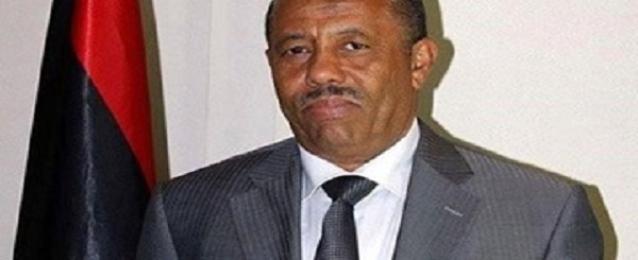 رئيس الحكومة الليبية يعرب عن أسفه للاشتباكات بمحيط مطار طرابلس