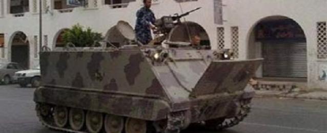 """قوات حفتر تقصف مواقع لـ""""أنصار الشريعة"""" في بنغازي"""