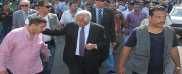 محافظ القاهرة يتفقد موقع حريق معارض السلاب