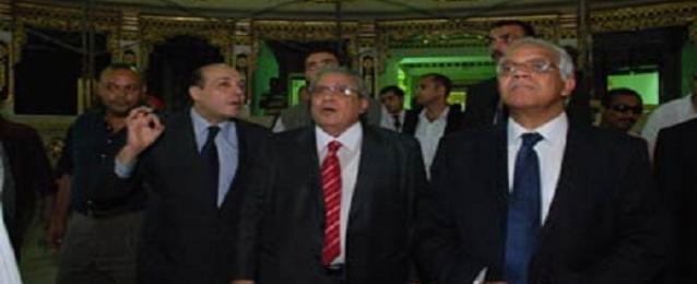 محافظ القاهرة ووزير الثقافة يتفقدان اعمال تطوير المسرح القومي