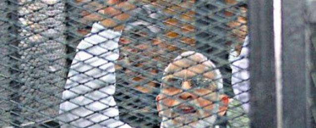 """تأجيل محاكمة بديع و50 إخوانيًا فى قضية """"غرفة عمليات رابعة"""" لـ3 أغسطس"""