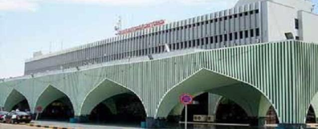 مواجهات حول مطار العاصمة الليبية طرابلس وتعليق الرحلات