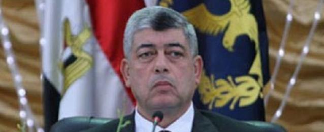 وزير الداخلية يقوم بزيارة مفاجئة لقسمى شرطة قصر النيل ودار السلام