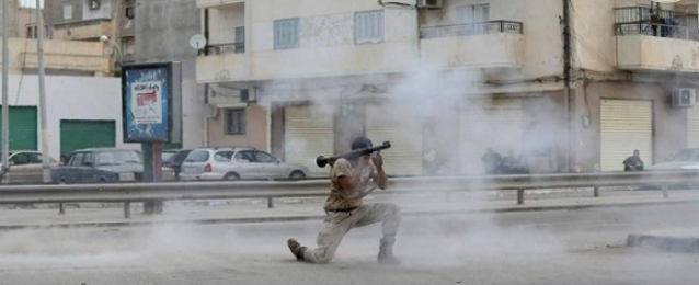 16 قتيلا في اشتباكات بين الجيش ومسلحين في بنغازي