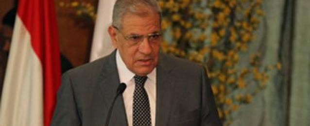 محلب للجالية المصرية بواشنطن: مصر دولة غنية تحتاج للتغيير وفتح كافة ملفات التنمية