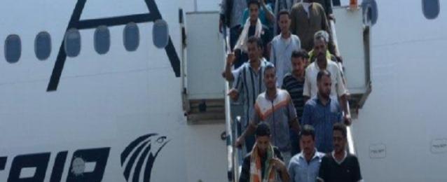 وصول رحلة جوية جديدة من تونس وعلى متنها 260 مصريا
