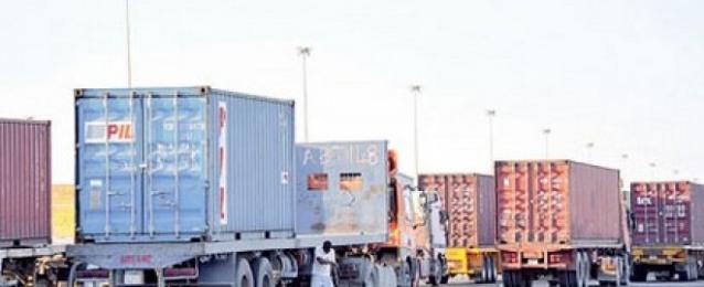 ليبيا تحمل السائقين المصريين مسؤولية أمنهم الشخصي بعد طبرق