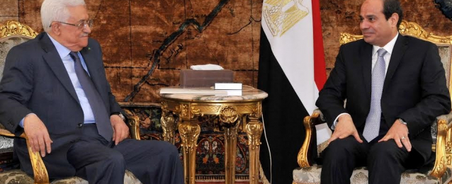 """الرئيس عبد الفتاح السيسي  يبحث مع """"أبو مازن"""" تطورات الأزمة في غزة"""