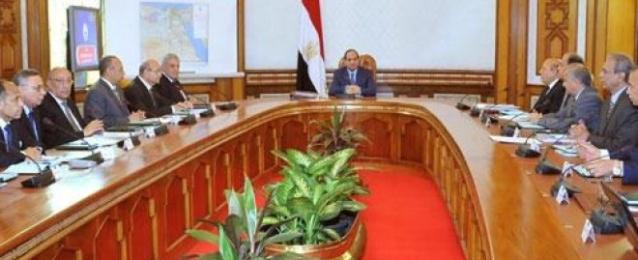الرئيس السيسي يستعرض عدداً من المشروعات القومية لتوفير الاحتياجات الأساسية للمواطنين