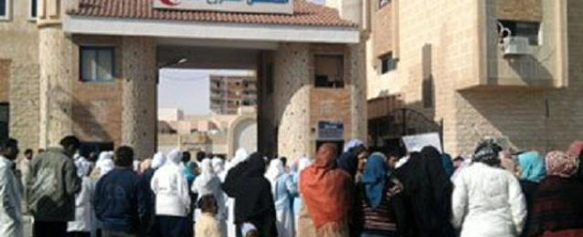المحافظ يستبعد مدير مستشفى مطروح العام لوجود مخالفات وعدم النظافة