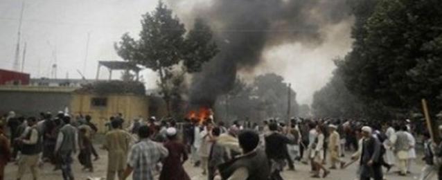 مئات المصابين في اشتباكات خلال احتجاجات سياسية في باكستان