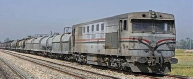 تعطل قطار بالمنيا مرتين بسبب تسرب كميه من السولار