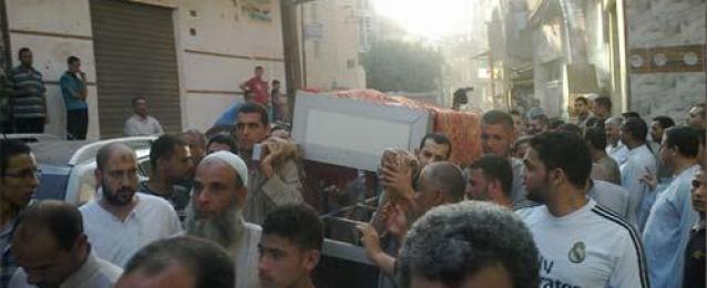 تشييع جنازة الفنان سعيد صالح بمسقط رأسه بالمنوفية بحضور زوجته ونجلته