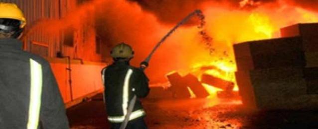 حريق هائل بمخزن ورق أسفل 4 عمارات سكنية بالعاشر من رمضان