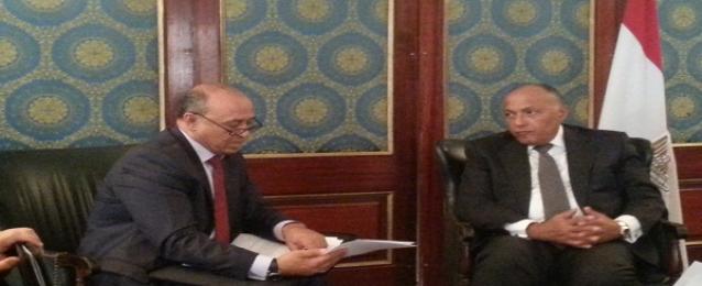 شكرى يبحث الأوضاع السياسية والأمنية فى ليبيا مع وزير خارجيتها
