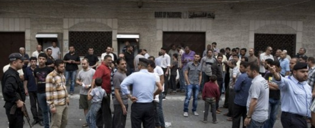 هدوء حذر يخيم على قطاع غزة والبنوك تعاود فتح أبوابها خلال الهدنة
