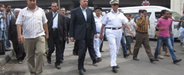 مساعد وزير الداخلية ومدير أمن القاهرة يقودان حملة لنقل الباعة الجائلين