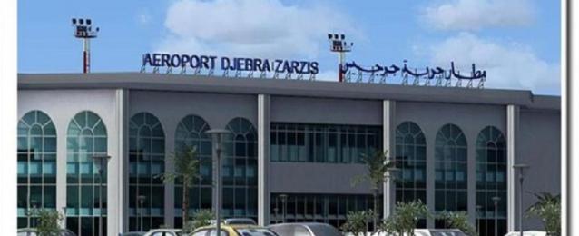 الطيران: نقل جميع المصريين الذين عبروا الحدود التونسية حتى الآن