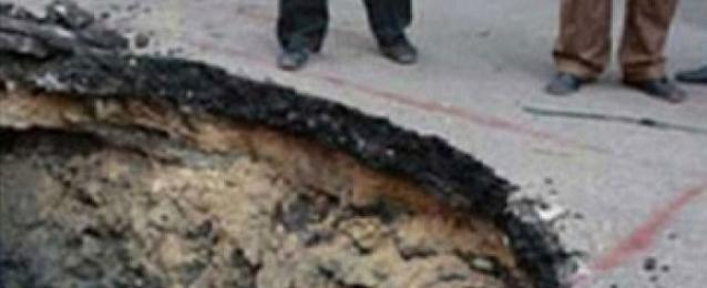 هبوط حاد في كوبري بالمنيا والأمن يغلقه بمصدات خرسانية