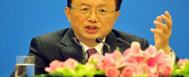 وزير خارجية الصين يصل القاهرة