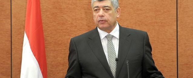 وزير الداخلية يؤكد عزم الأجهزة الأمنية على دحر الإرهاب ويشدد على حسن معاملة المواطنين