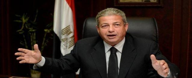 وزير الشباب والرياضة يهنئ رئيس اتحاد الاسكواش لحصول منتخب مصر للناشئين على بطولة العالم