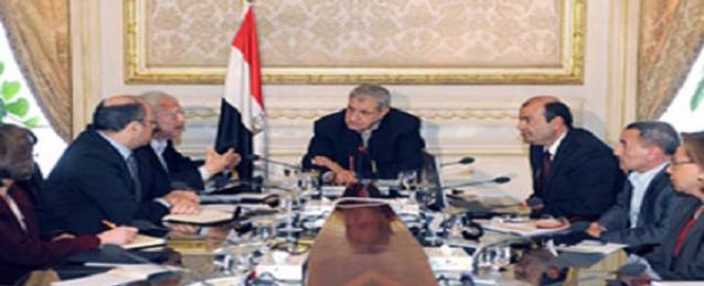 """""""الوزراء""""يوافق على مشاركة القطاع الخاص في استثمارات الطاقة الجديدة والمتجددة"""