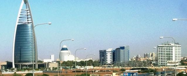"""السودان يغلق المراكز الثقافية الايرانية بتهمة """"التبشير بالمذهب الشيعي"""""""