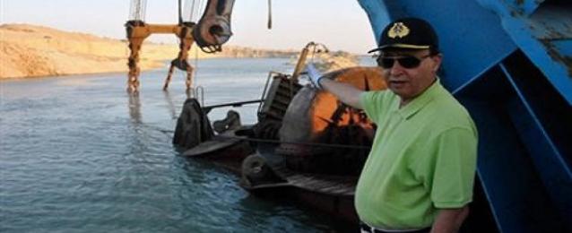الفريق مهاب مميش يعلن دخول المياه لقناة السويس الجديدة