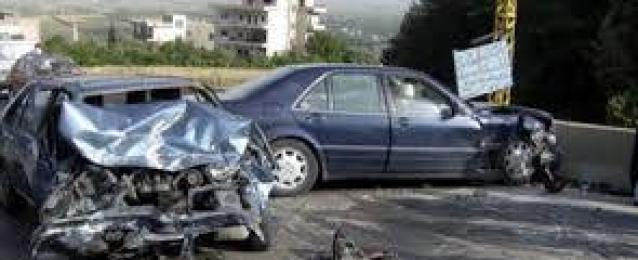 مصرع 3 اشخاص واصابة 35 اخرين فى حادثنين باسوان