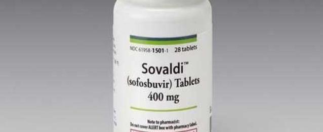 """وزير الصحة: وصول أول ٥٠ ألف جرعة من عقار """"سوفالدي"""" مصر لعلاج فيروس سي"""