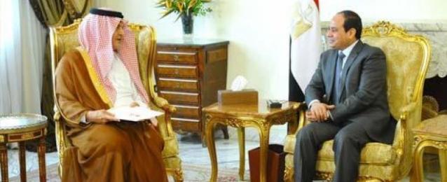 في لقاء مع وزير خارجية السعودية.. السيسي يحذر من التدخل الخارجي في ليبيا