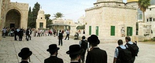 مجموعات يهودية تجدد اقتحامها للمسجد الأقصى المبارك