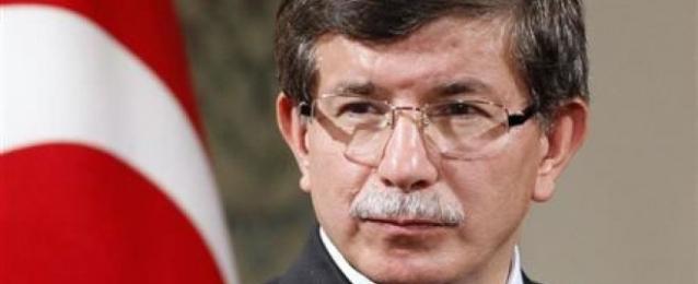 أوغلو: تركيا ستسعى لمنع سقوط بلدة كردية