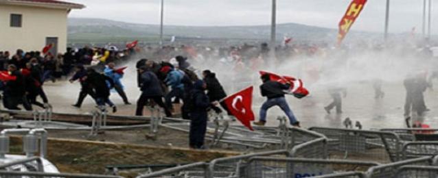 الحزب الحاكم في تركيا يؤكد مجددا تمسكه بالسلام مع الاكراد