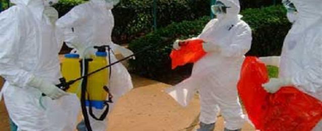 باريس تعزز اجراءاتها للوقاية من ايبولا وتعد بمساعدة الدول الإفريقية